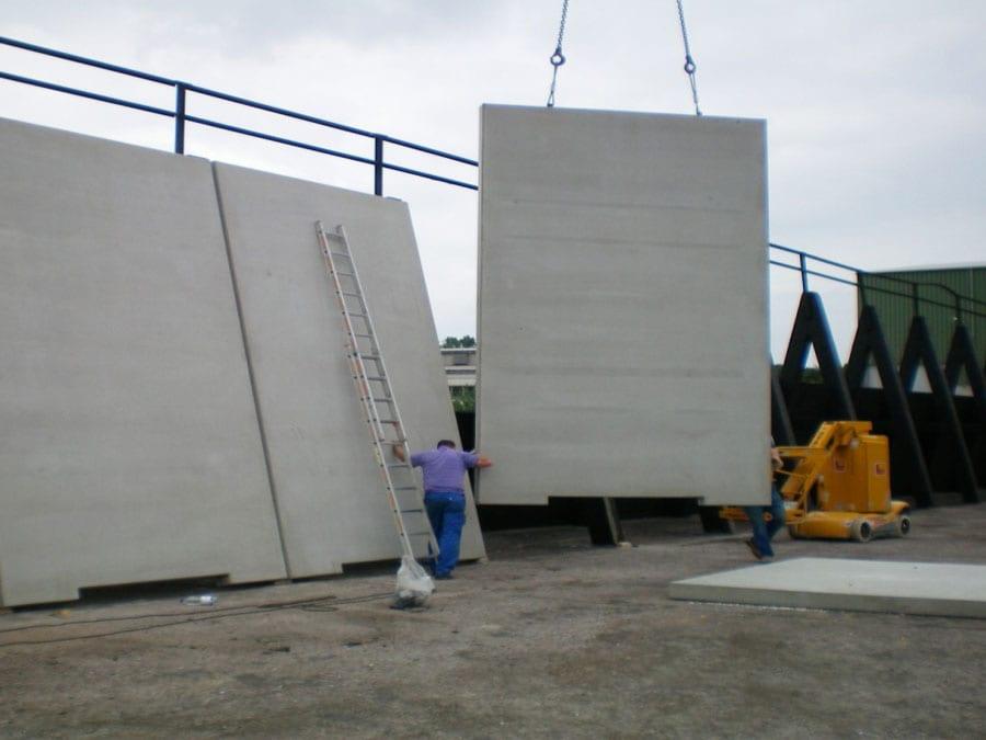 FF A-Block Fahrsilo - Montage einer 3 m hohen A-Bock-Mittelwand in Niederau