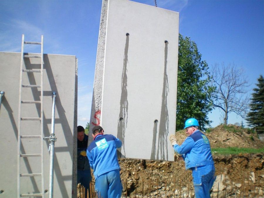 FF Doppelwand Fahrsilo - Montage einer 3 m – Wand